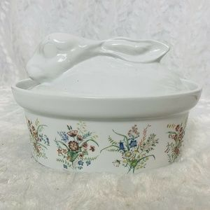 Cordon Blue Bunny Rabbit Casserole HandPainted USA